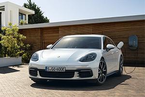 2019 Porsche Panamera 4 e-Hybrid ST