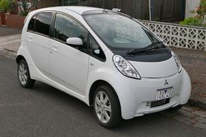 2017 Mitsubishi i-MiEV