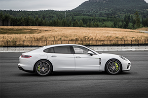 2018 Porsche Panamera Turbo S e-Hybrid Executive
